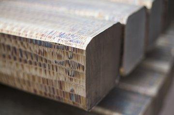 ورقهای فولادی از بیلت و شمش پر مشتریتر بودند 