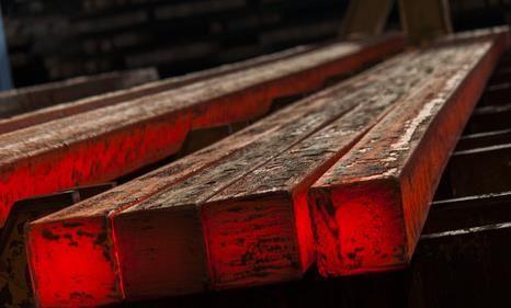 افزایش ۵ دلاری قیمت جهانی شمش فولاد