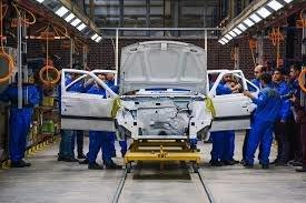 نوسان قیمت خودروهای داخلی ارتباط مستقیمی با قیمت وارداتیها دارد