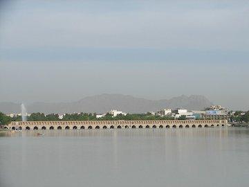 چارهای جز احیای زایندهرود در استان اصفهان وجود ندارد