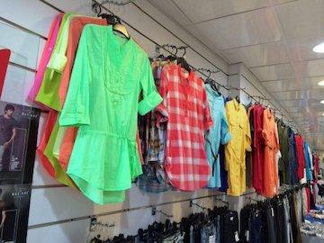 بازار پوشاک در چنته چشم بادامی ها