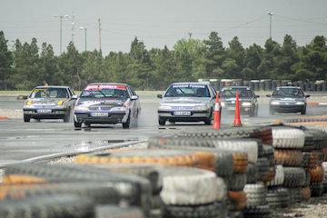 پایان راند اول مسابقات اتومبیلرانی استان اصفهان