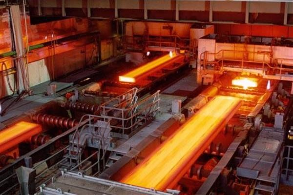 کاهش چشمگیر قیمت فولاد در هند