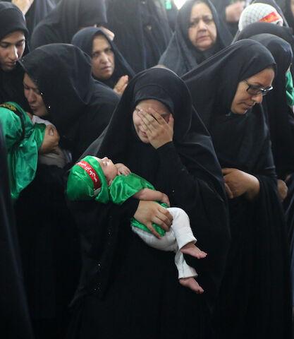 اجتماع عظیم شیرخوارگان حسینی در اولین جمعه ماه محرم در گلستان شهدای اصفهان برگزار شد