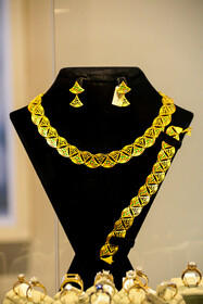سیزدهمین نمایشگاه بین المللی صنعت فلزات گرانبها.طلا. سنگهای قیمتی .ساعت و ماشین الات وابسته