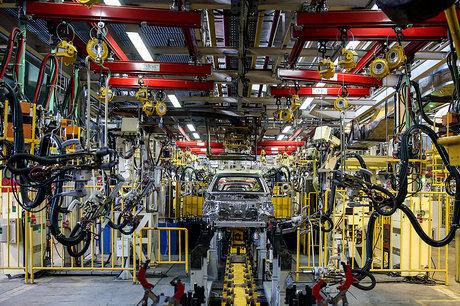 اهرم مالیاتی دقیقتر از نمادهای بورسی در بازار خودرو عمل میکند