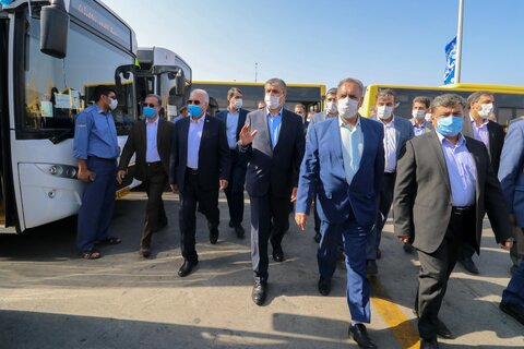 توسعه ناوگان اتوبوسرانی باحضور وزیر راه
