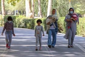 بی اهمتی مردم جهت نزدن ماسک در شرایط بحرانی قرمزکرونایی در اصفهان  عکس:مجتبی جهان بخش