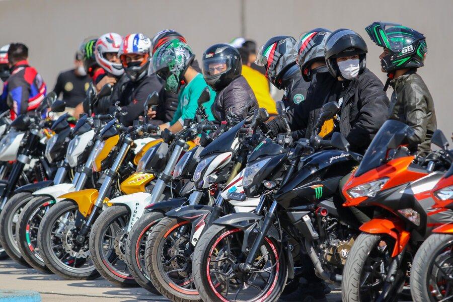 انحلال مسابقات موتور سیکلت اصفهان بخاطر کرونا