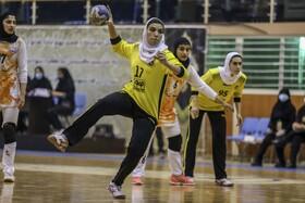 صعود دختران طلایی پوش به مرحله نهایی لیگ برتر هندبال ایران