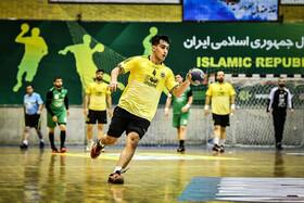 مردان سپاهان در لیگ برتر هندبال ایران سوم شدند