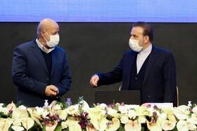 دستاوردهای سفر واعظی به اصفهان/ از سیاسی بازی پرهیز شود!