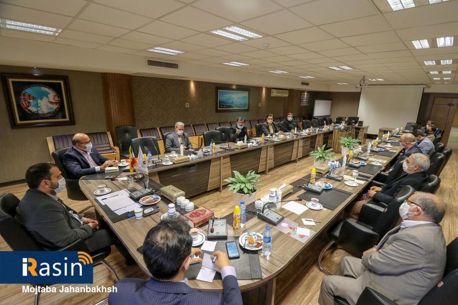 جلسه هم اندیشی مدیران مسئول روزنامه های استان اصفهان با مدیر روابط عمومی فولادمبارکه