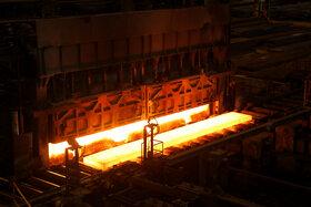 شیب قیمتی فولاد در بازار همچنان نزولی است