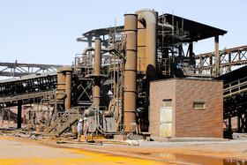 غبارگیرهای نصب شده در ناحیه آهنسازی جهت کنترل هر چه بیشتر کنترل غبار