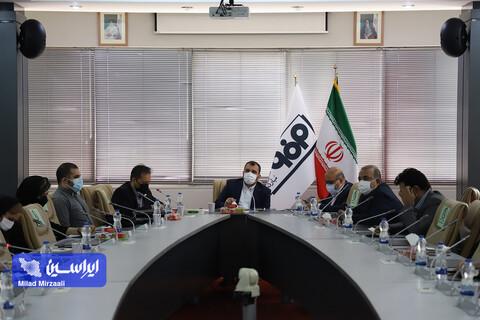 نشست مدیر روابط عمومی شرکت فولاد مبارکه با تعدادی از نمایندگان رسانه های حوزه صنعت و اقتصاد