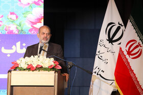 استاندار جدید اصفهان در اقتصاد صنعتی صاحبنظر است
